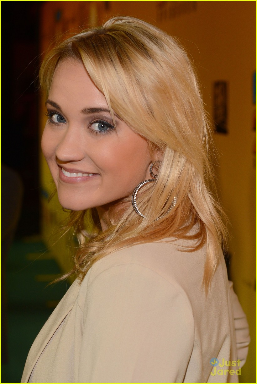 emily osment family guy 04