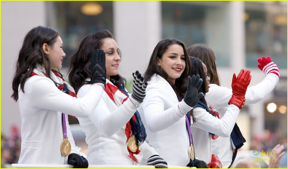 fierce five macys paraade 10