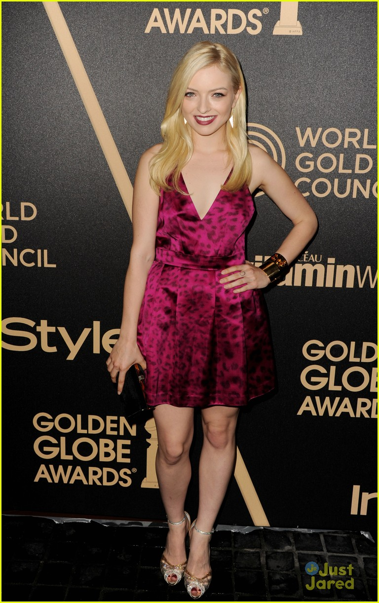 gia mantegna francesca eastwood golden globe party 15