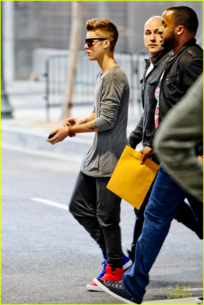 justin bieber selena gomez separate saturday sightings 05