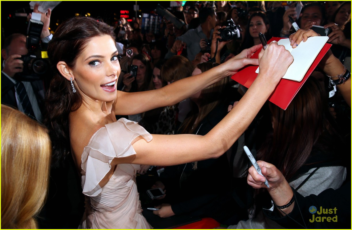 ashley greene bd premiere 10