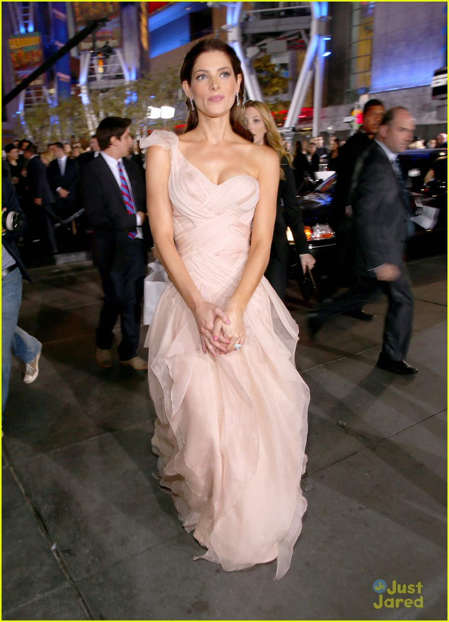 ashley greene bd premiere 13