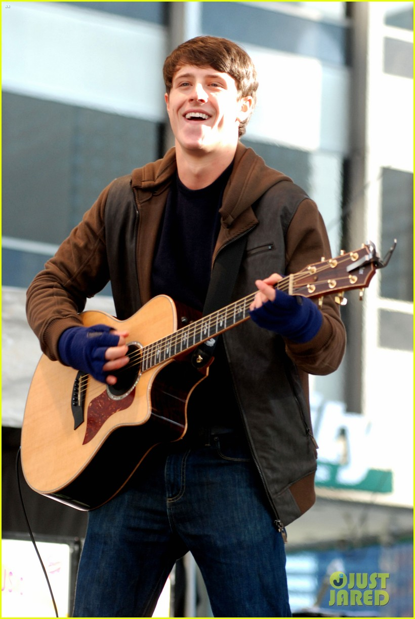 shane harper disney performs 02