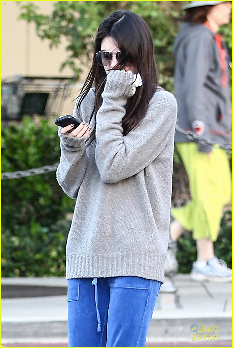 kendall kylie jenner grocery girls 05