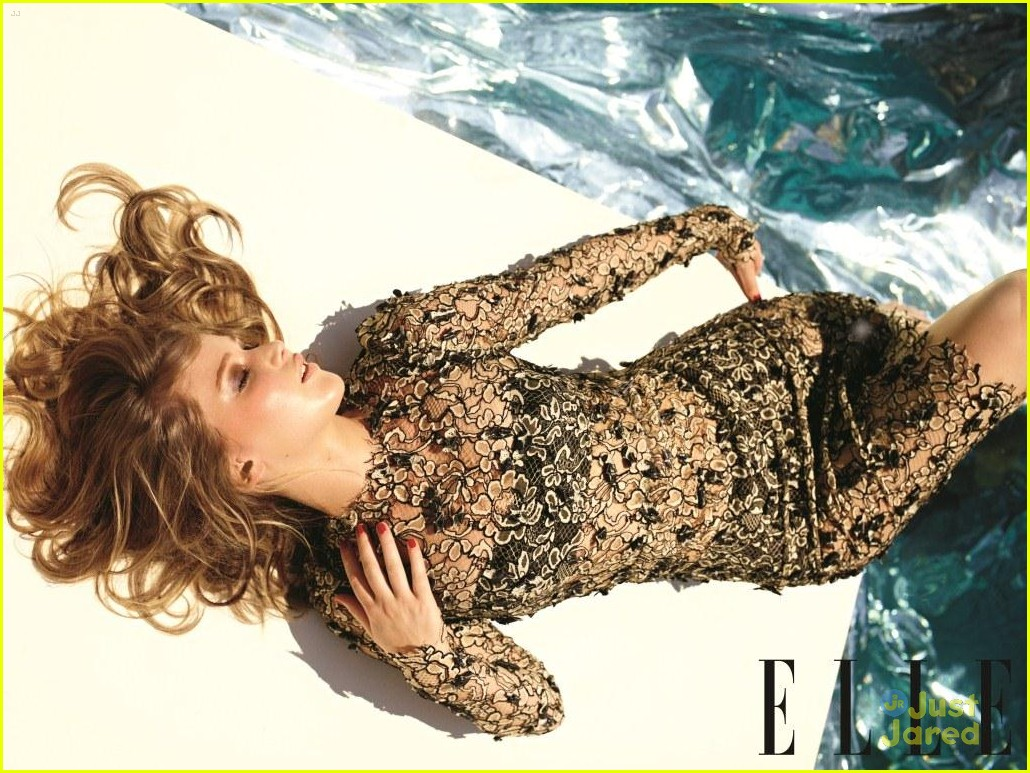 jennifer lawrence elle december 03