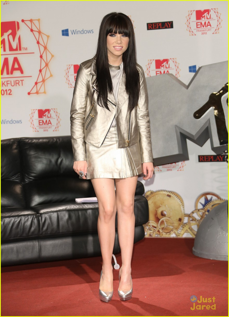 carly rae jepsen ema conference 10