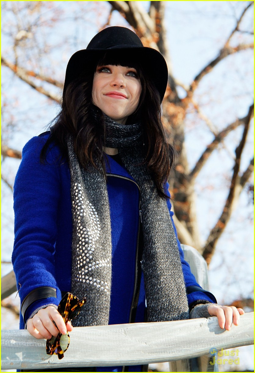 carly rae jepsen thanksgiving parade 11