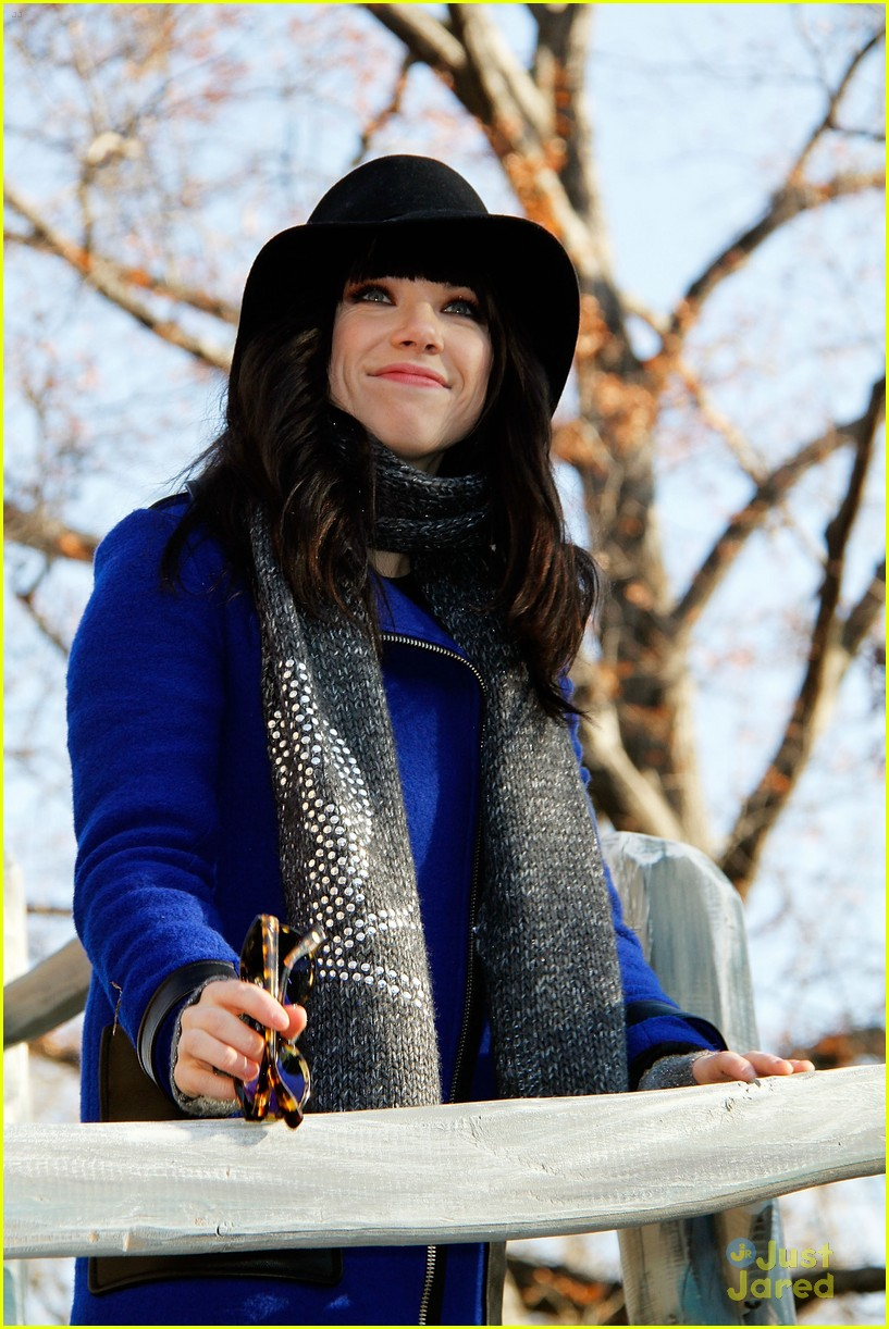 carly rae jepsen thanksgiving parade 16