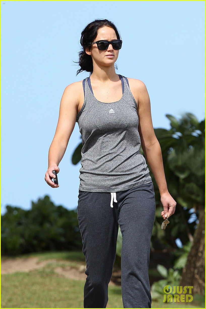 jennifer lawrence holiday in hawaii 09