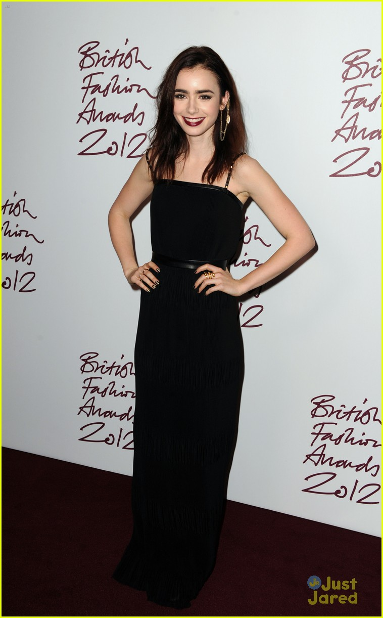lily collins jamieb bower british fashion awards 03