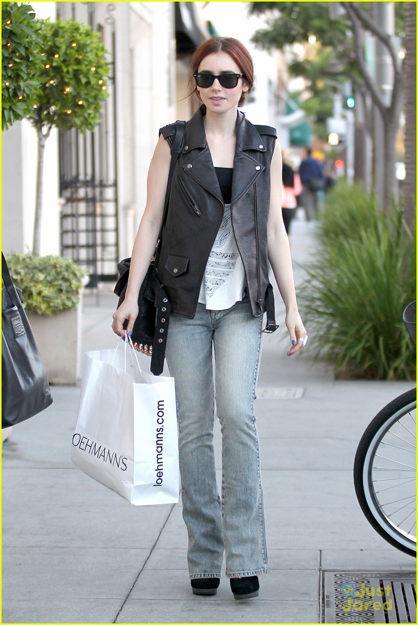 lily collins loehmanns shopper 01