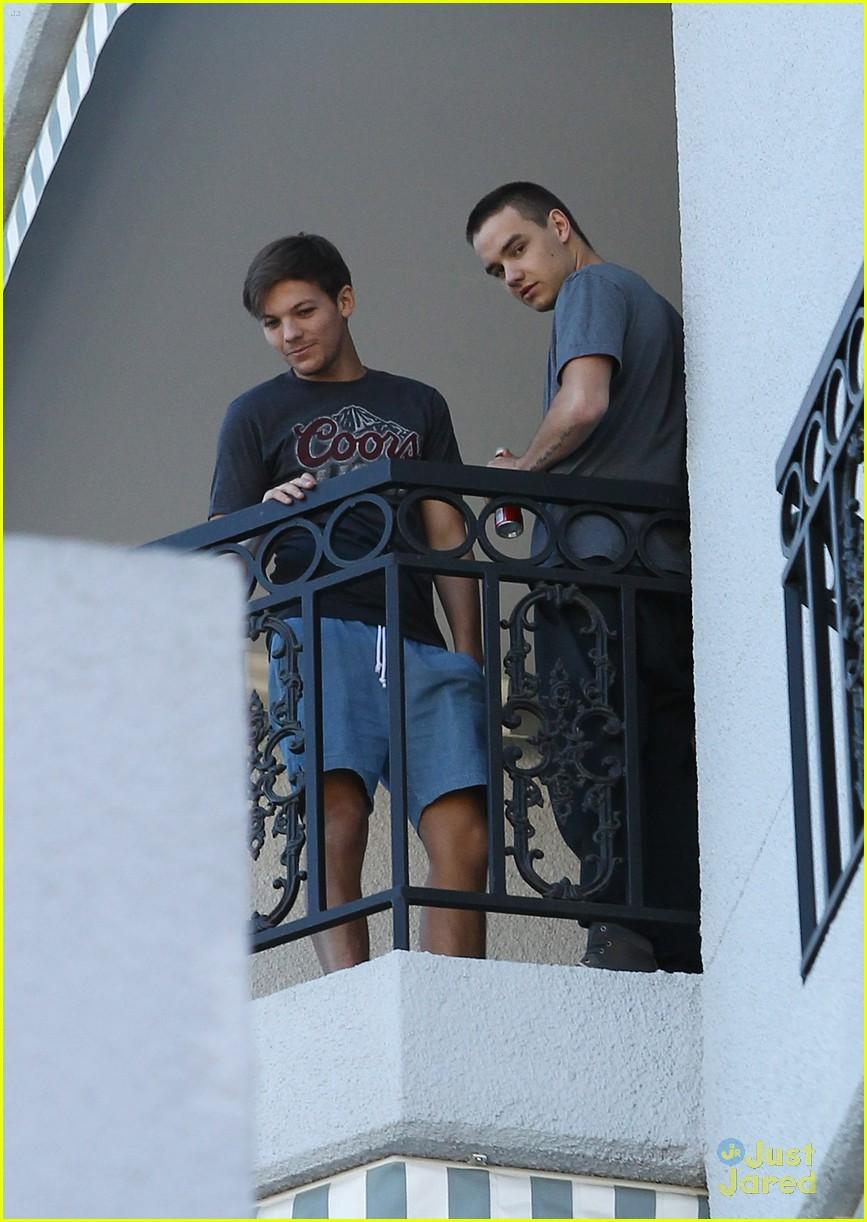louis tomlinson liam payne balcony 07