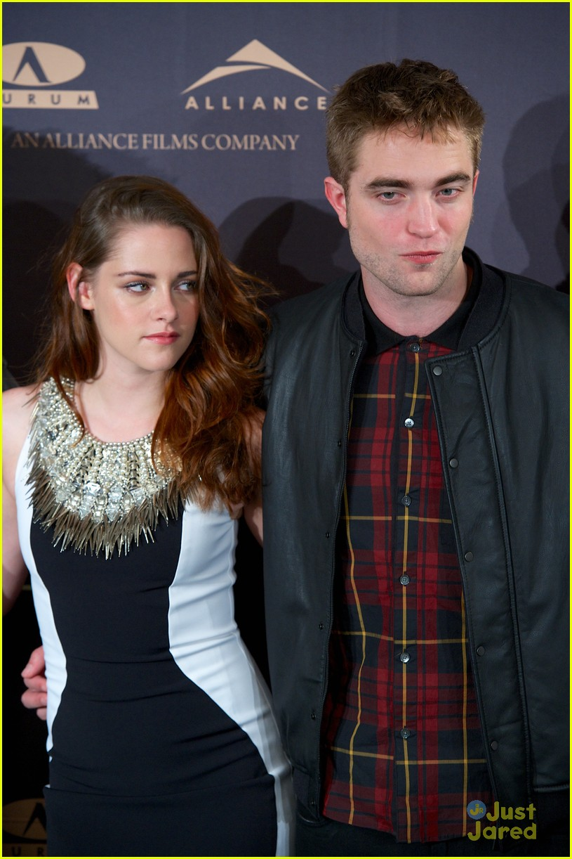 kristen stewart robert pattinson breaking dawn madrid photo call 08