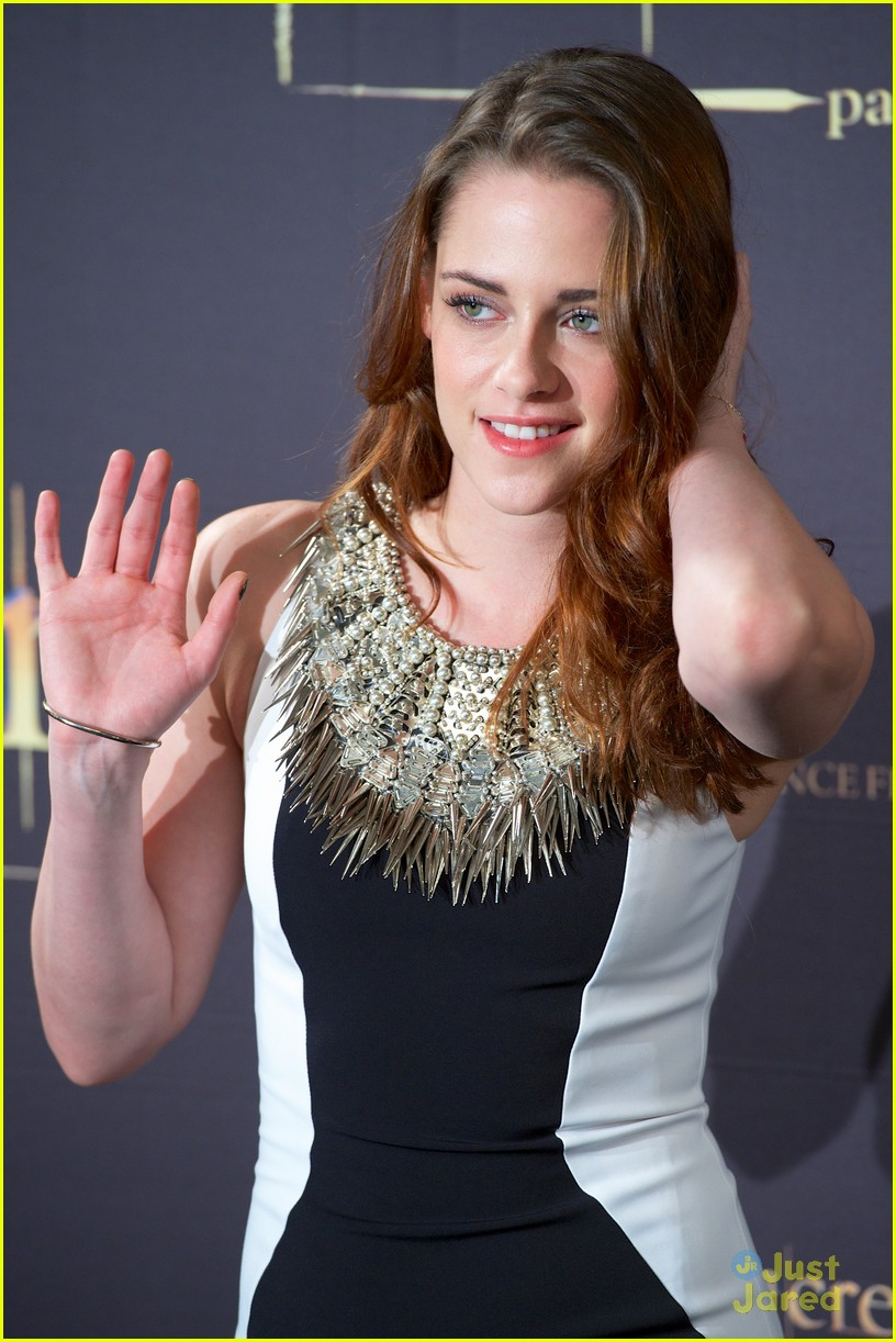 kristen stewart robert pattinson breaking dawn madrid photo call 14