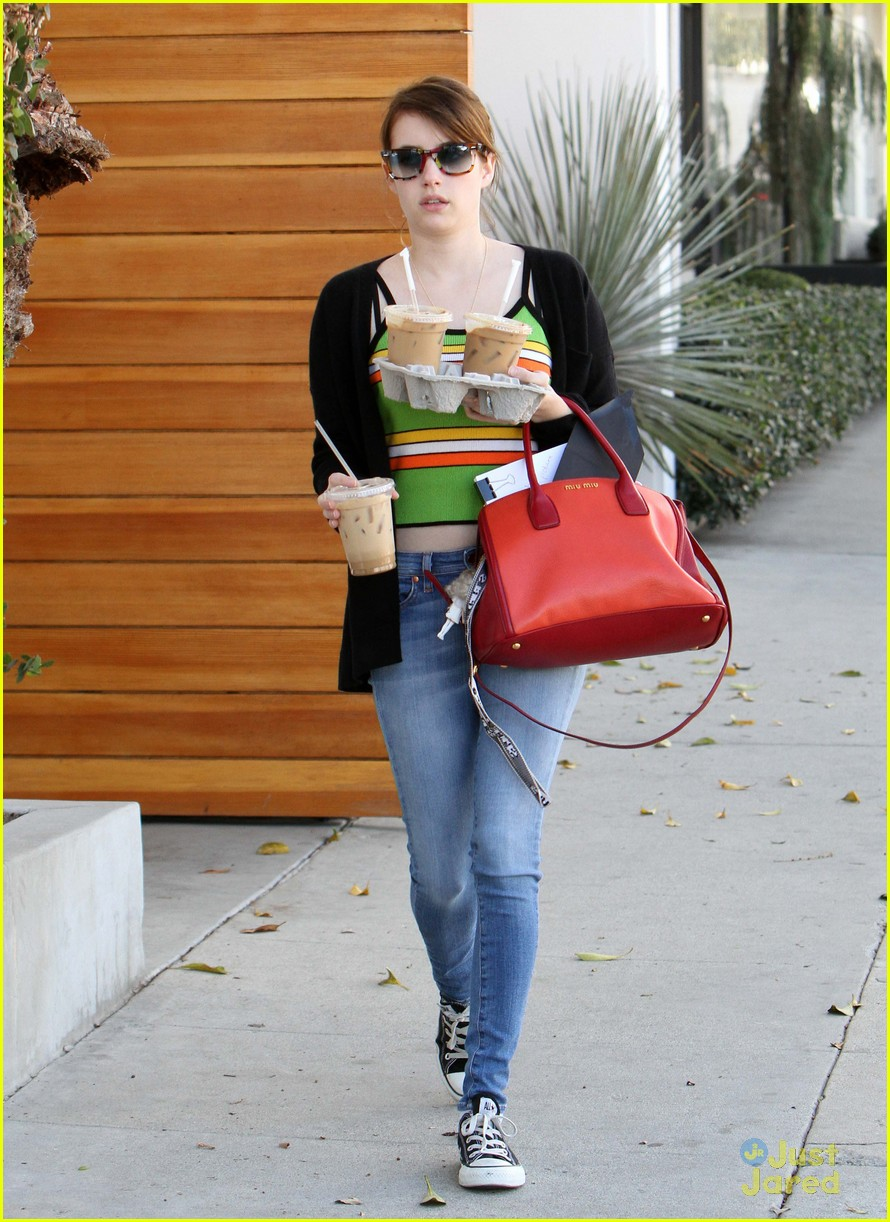 emma roberts iced coffee 08