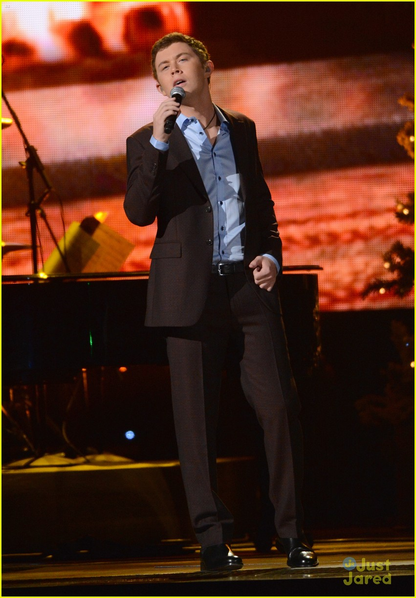 scotty mccreery country christmas 01