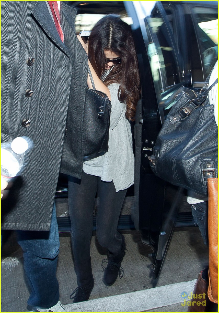 selena gomez flight post justin bieber split 08