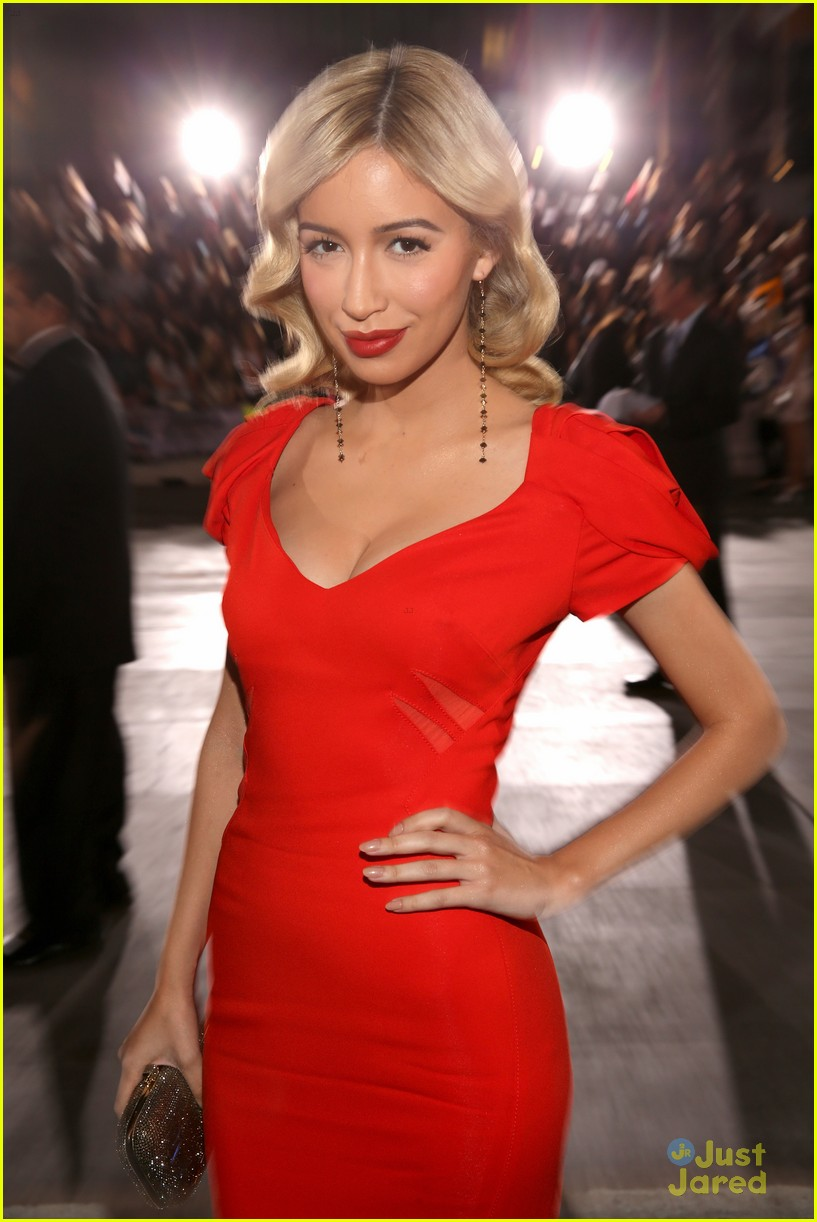 christian serratos bd premiere 09