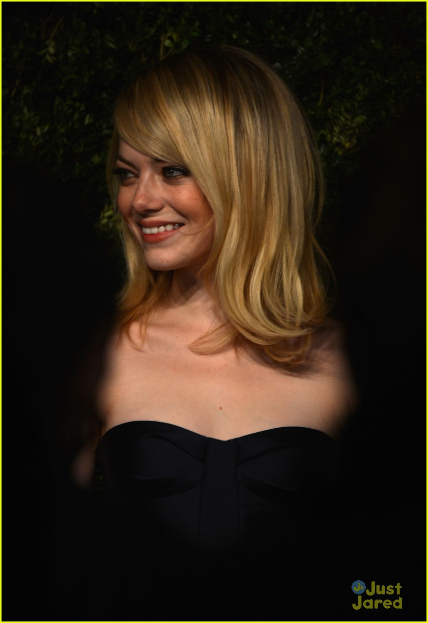emma stone cfda fashion fund awards 16