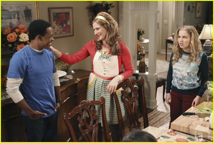 suburgatory thanksgiving sheas 11
