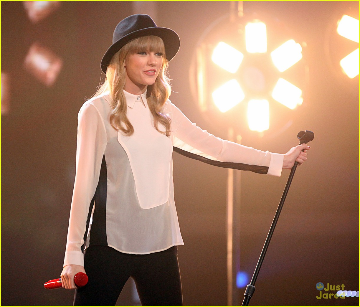 taylor swift x factor usa 06