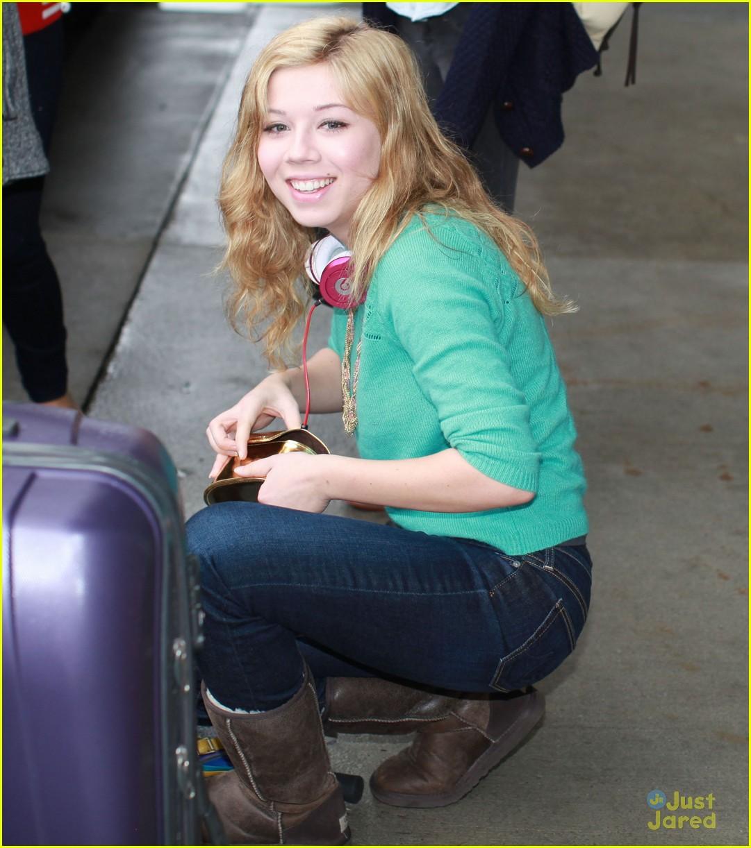 swindle cast vancouver airport 15
