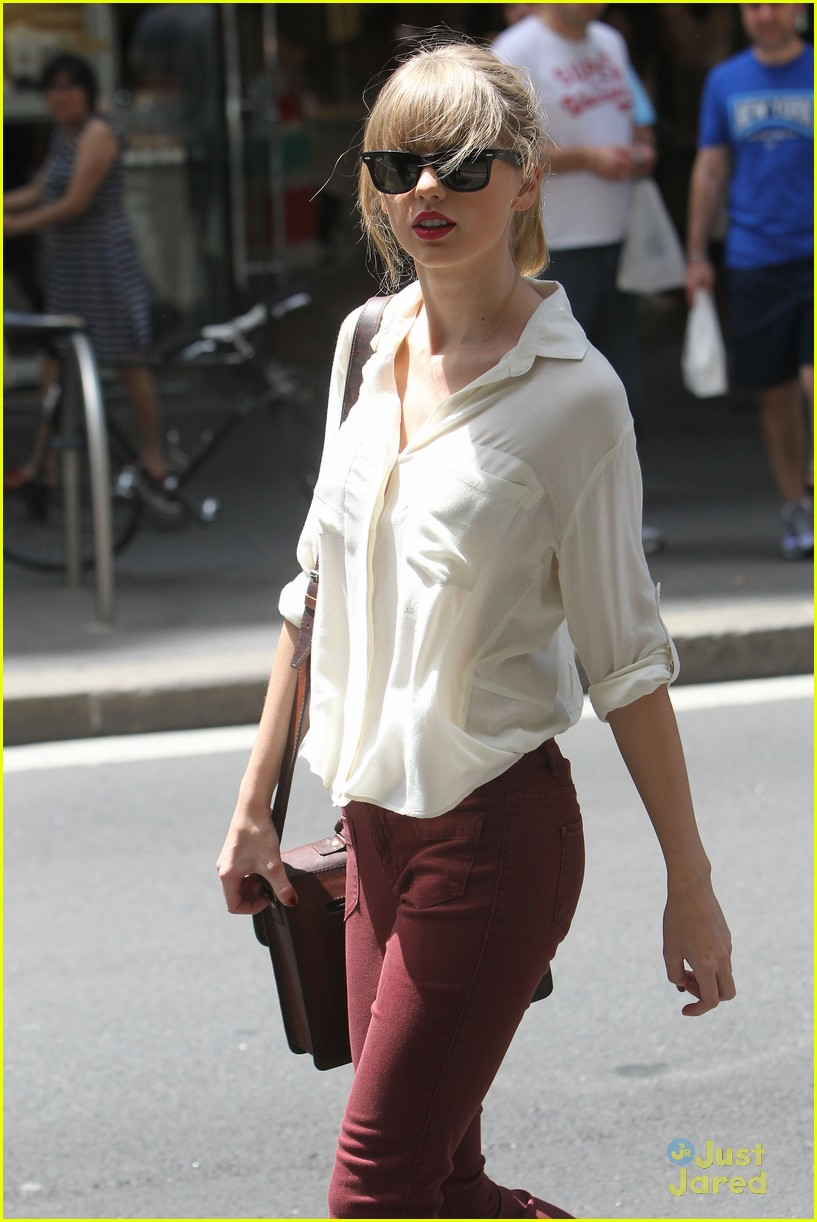 taylor swift sydney shopping spree 27