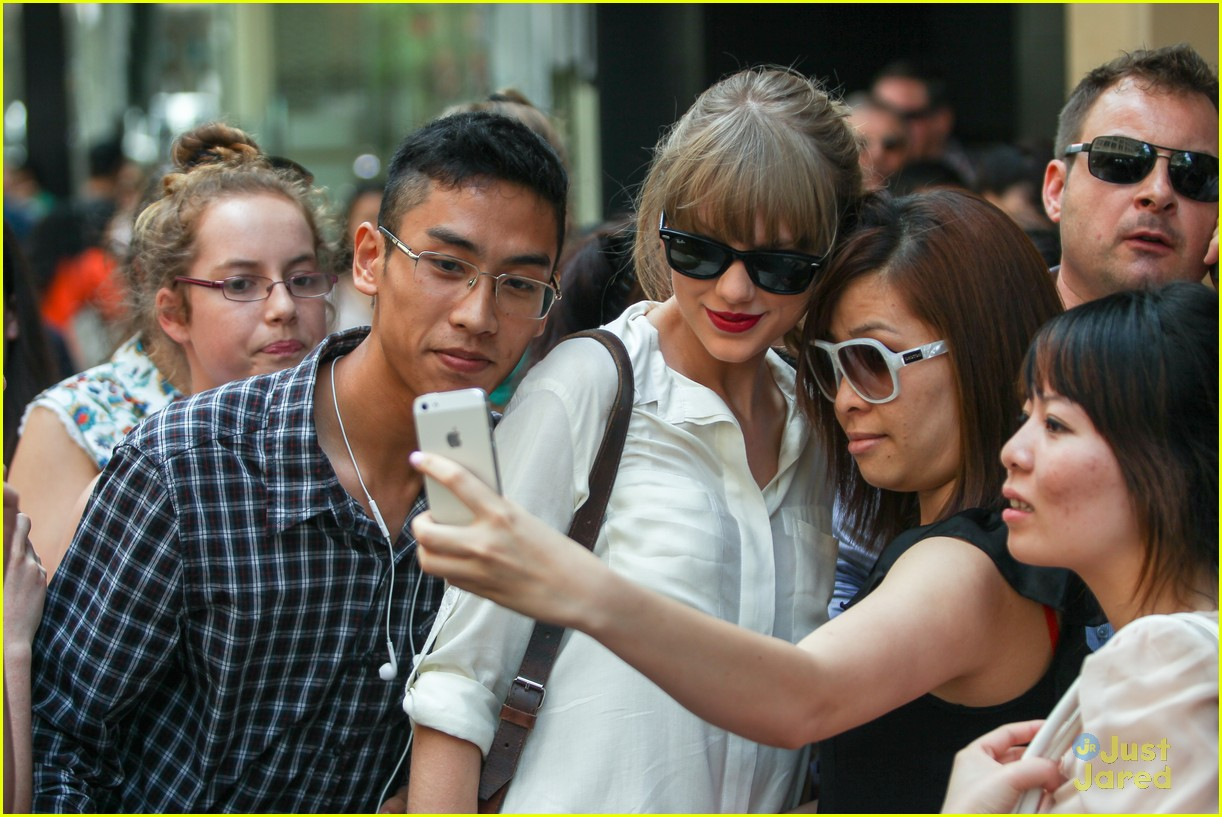taylor swift sydney shopping spree 32