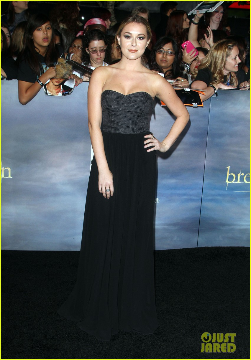 alexa vega the twilight saga breaking dawn part 2 premiere 05