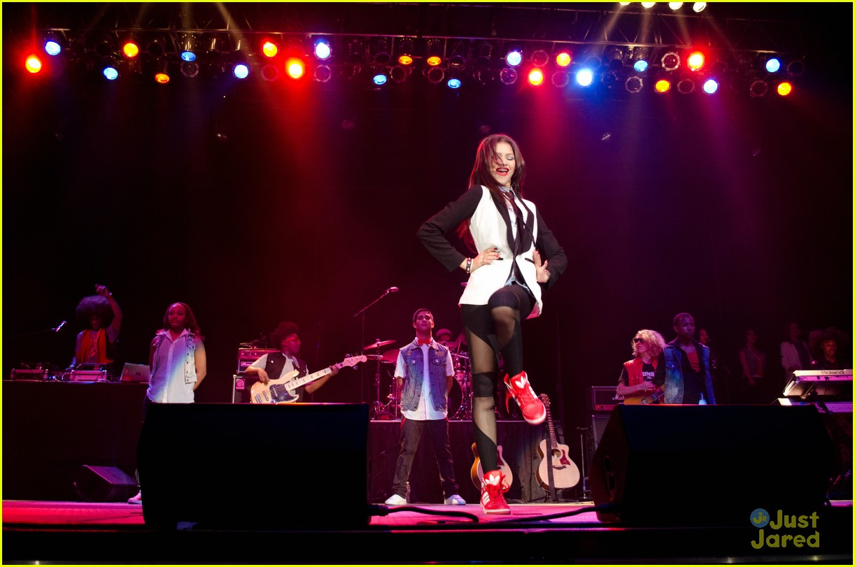 zendaya arizona concert 09