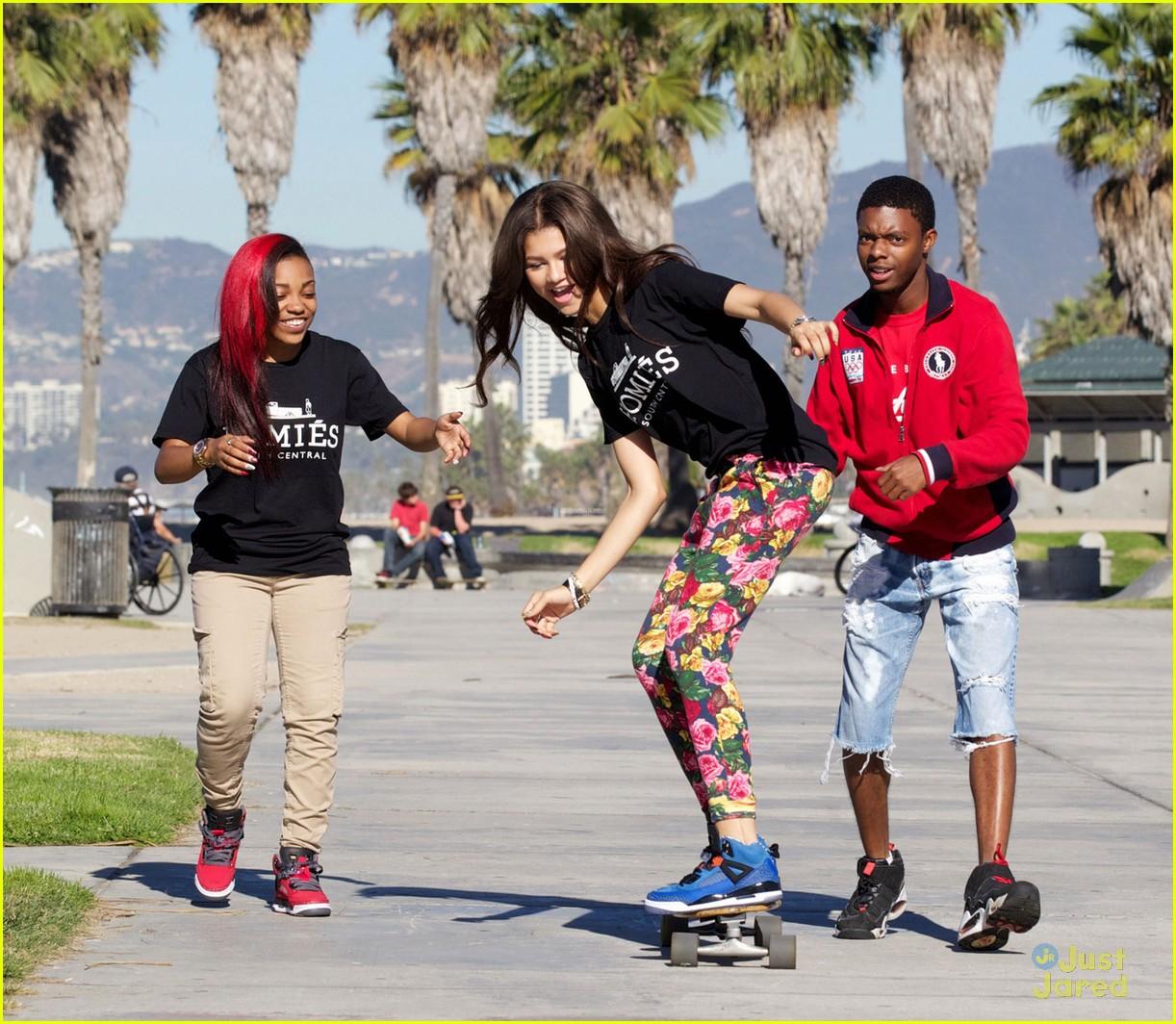 Zendaya skateboarding