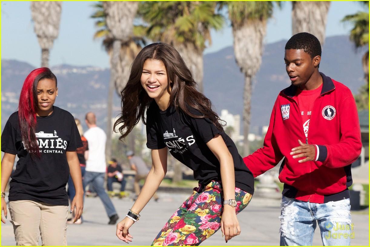 zendaya coleman skateboarding - photo #19