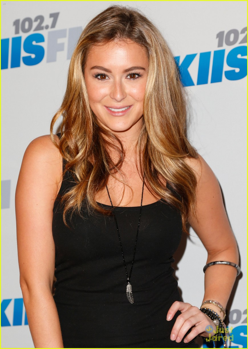 alexa vega jingle ball 08
