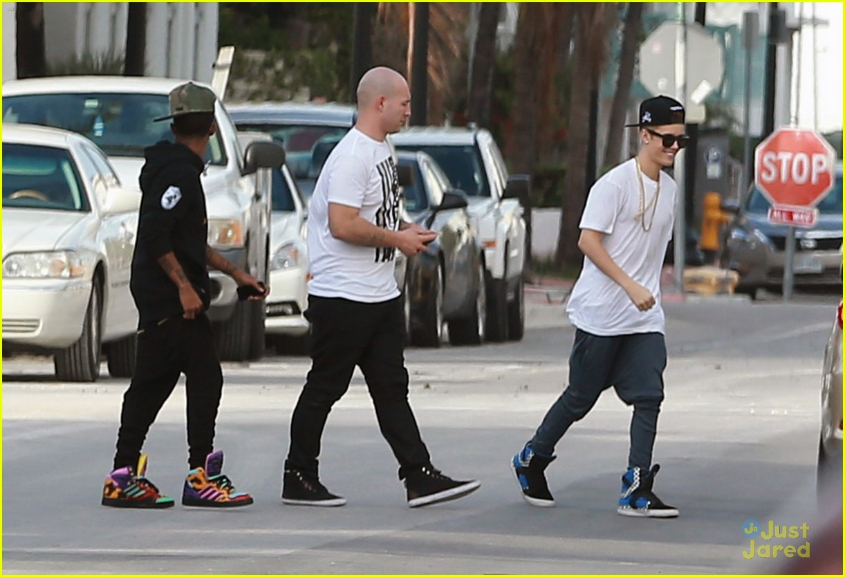 justin bieber miami shopping 08