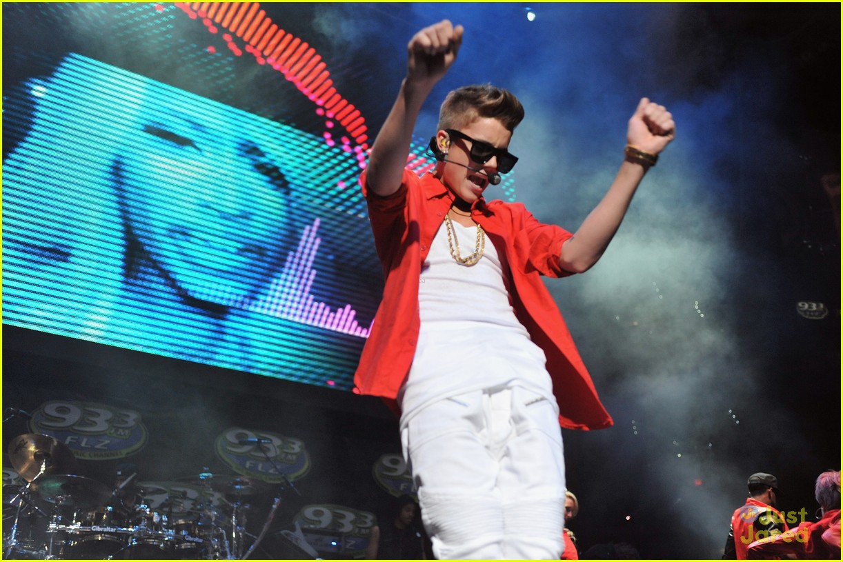 justin bieber 933 tampa 14