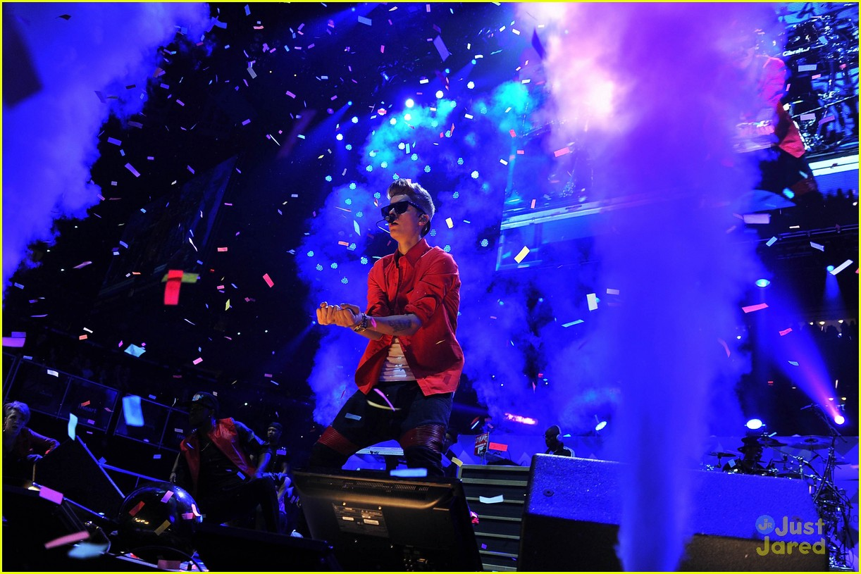 justin bieber z100 jingle ball 04