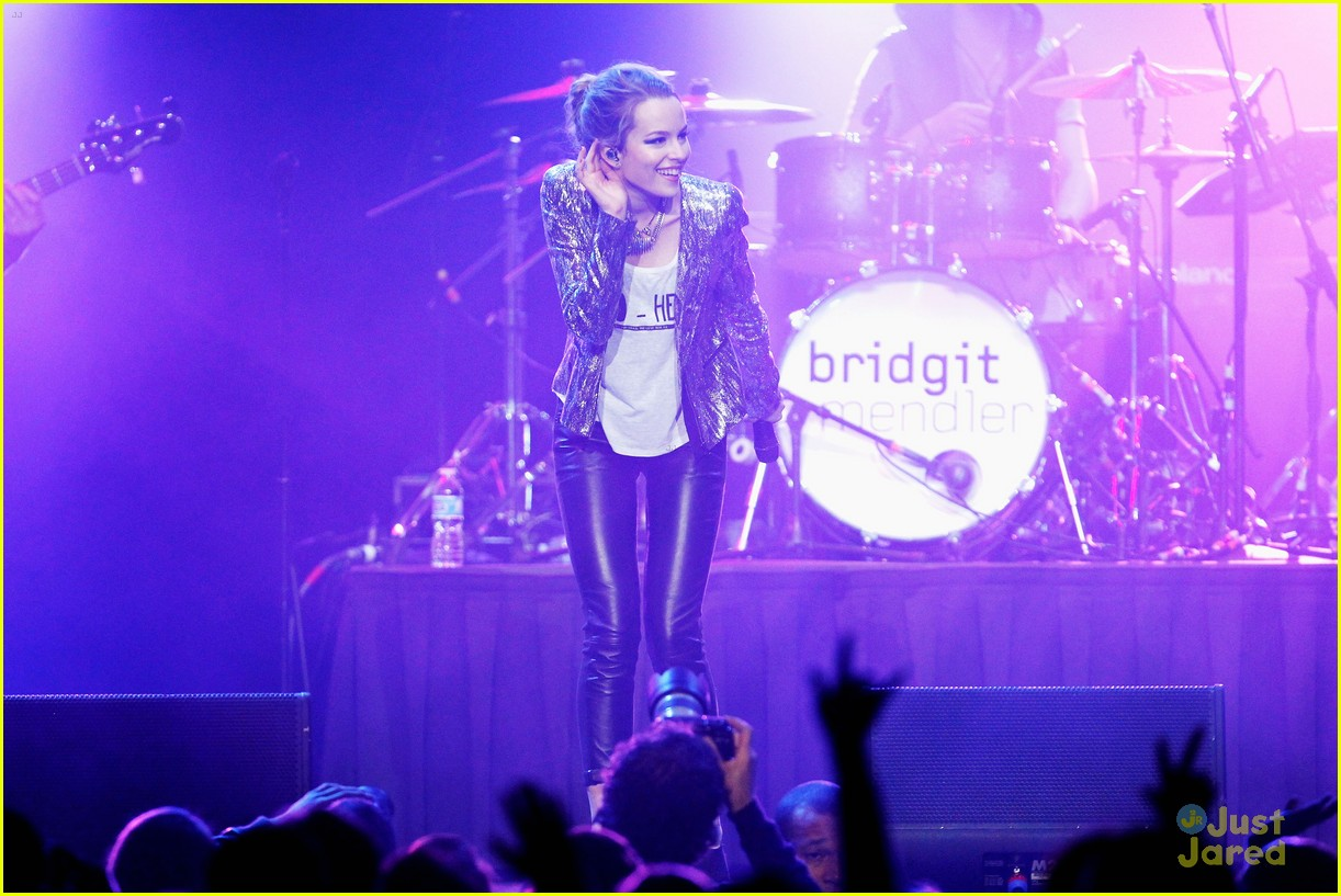 bridgit mendler power 961 jingle ball 03
