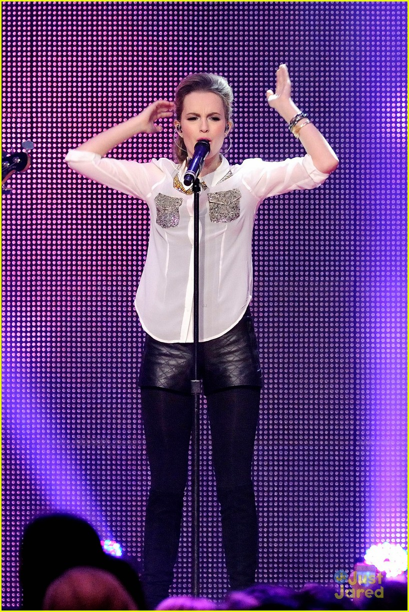 bridgit mendler big jingle 13