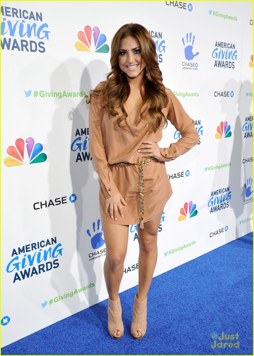cassie scerbo giving awards 03