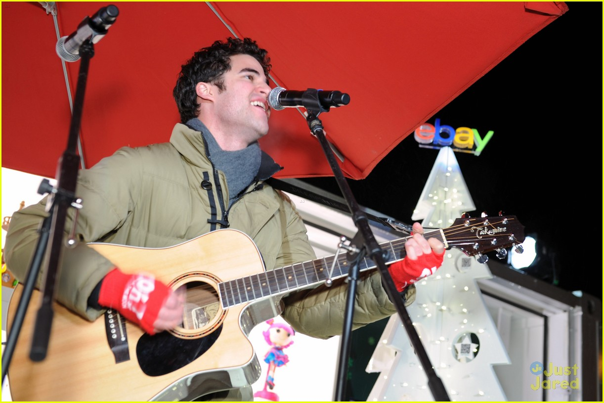 darren criss ebay holiday concert 15