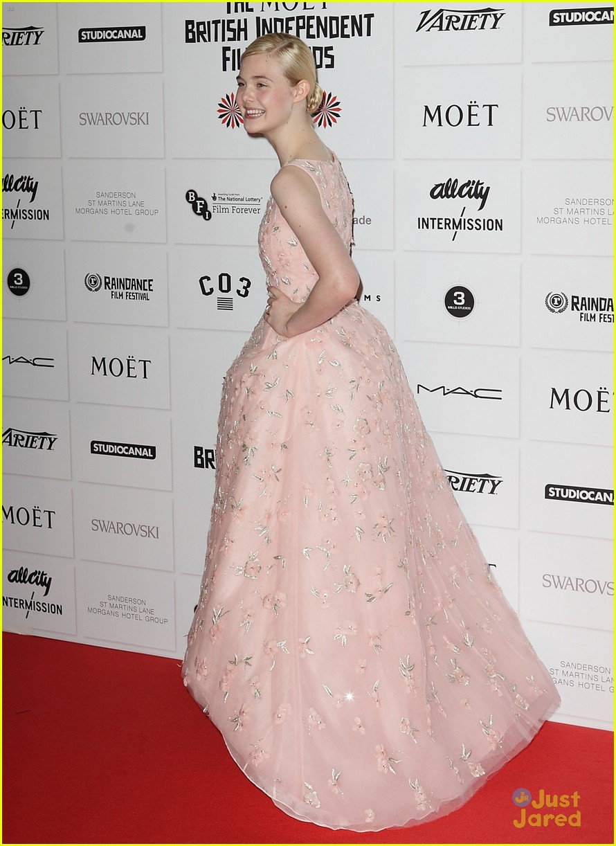 elle fanning british independent awards 05
