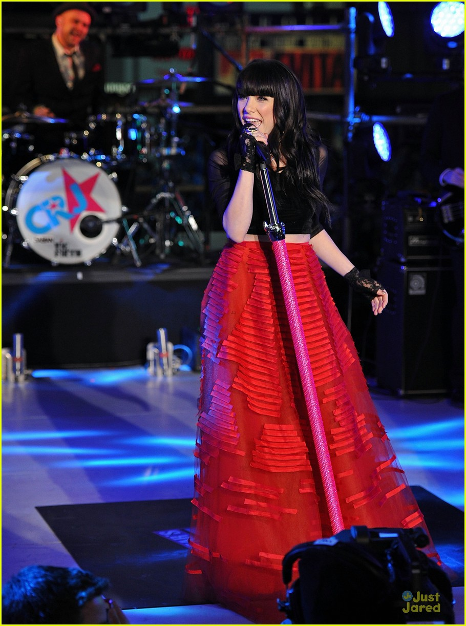 carly rae jepsen dick clark's new year rockin eve with ryan seacrest 01