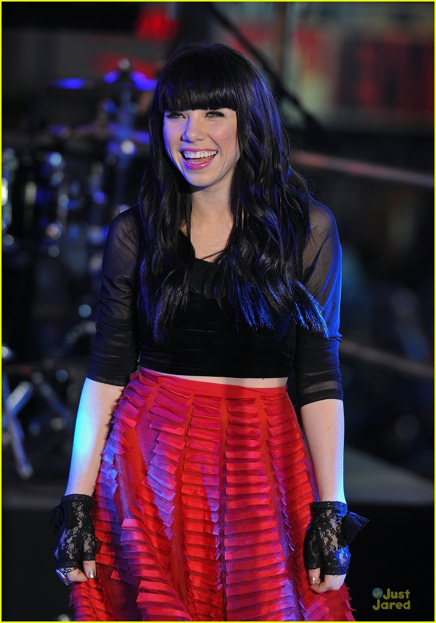 carly rae jepsen dick clark's new year rockin eve with ryan seacrest 06