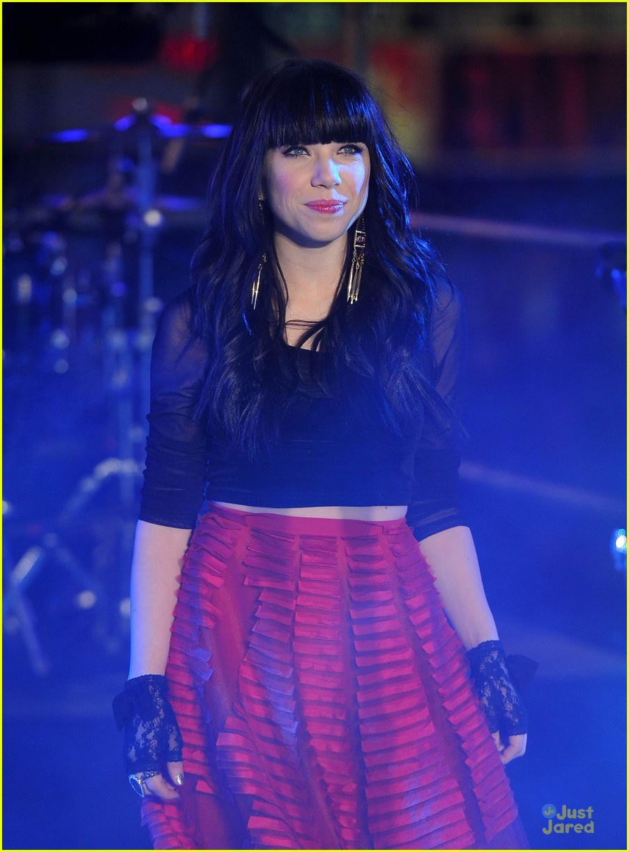 carly rae jepsen dick clark's new year rockin eve with ryan seacrest 11