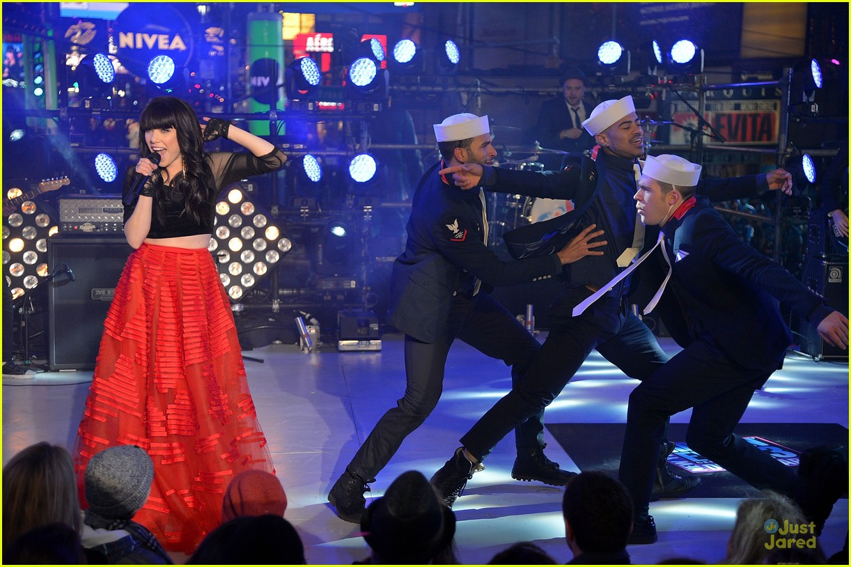 carly rae jepsen dick clark's new year rockin eve with ryan seacrest 15