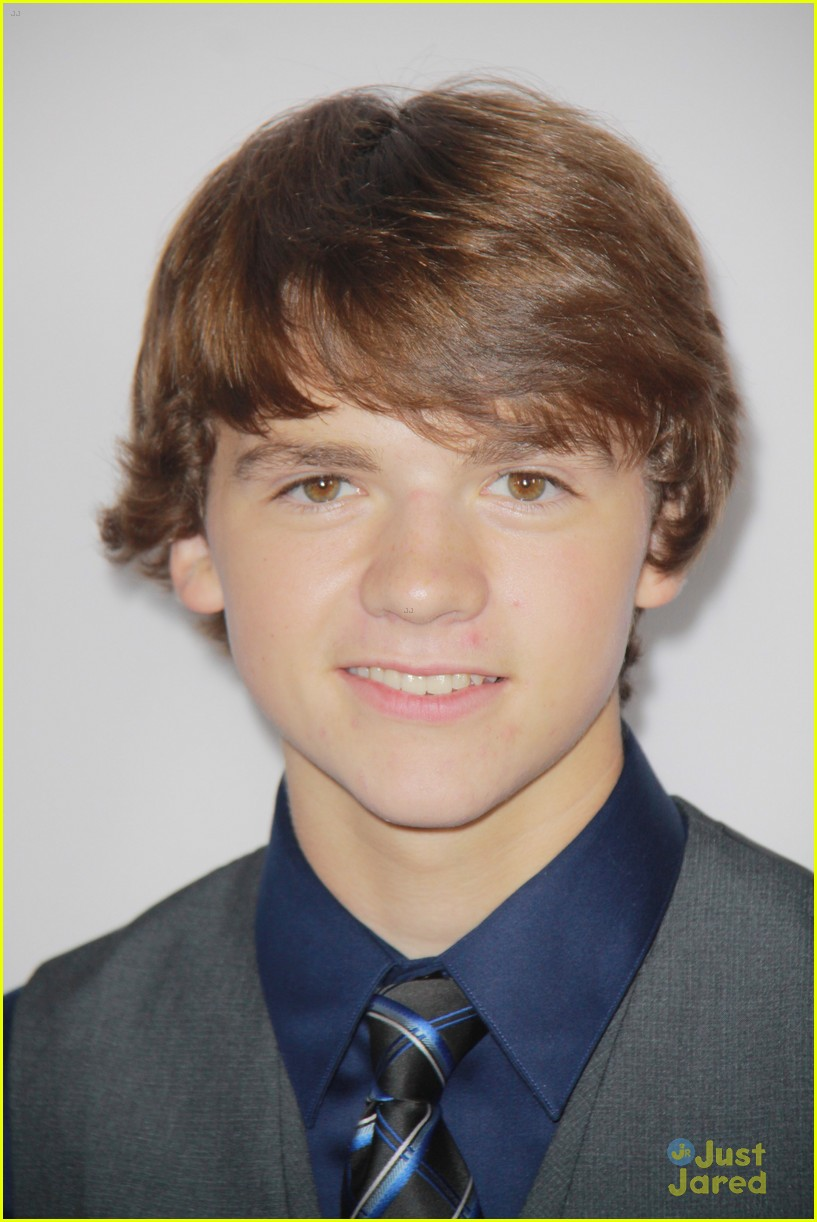 joel courtney impossible premiere 10