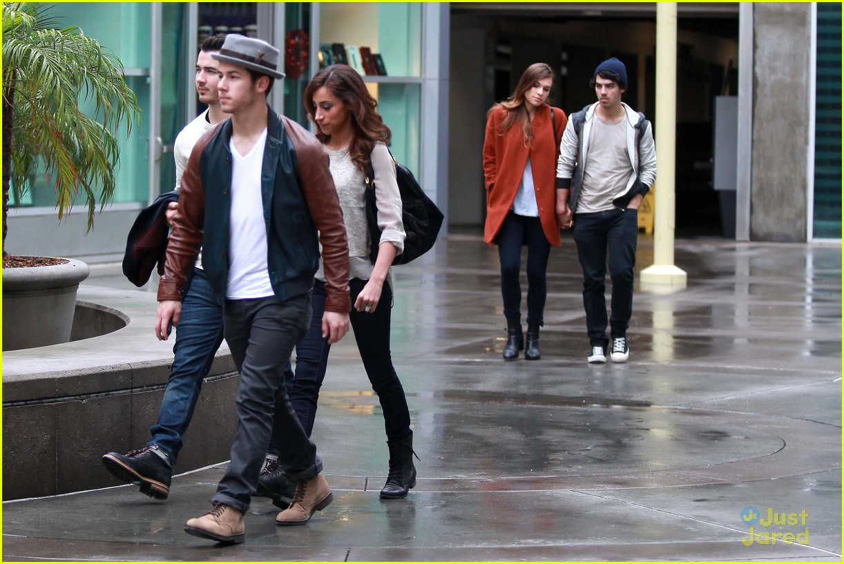 joe jonas blanda brothers lunch 21