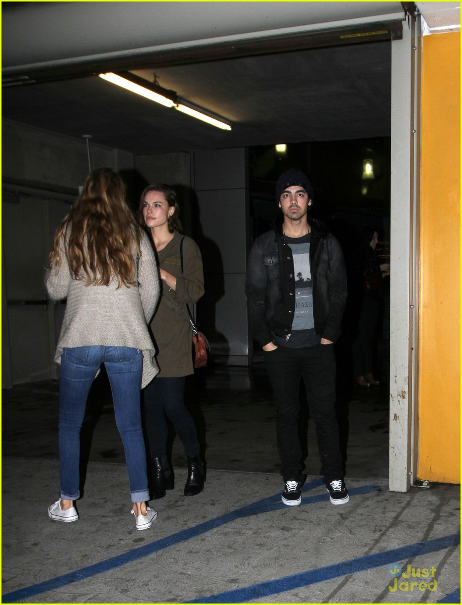 joe nick jonas double date 03