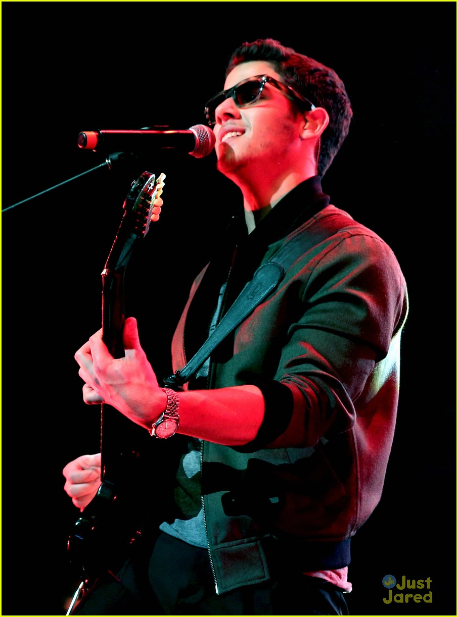 jonas brothers jingle ball 06