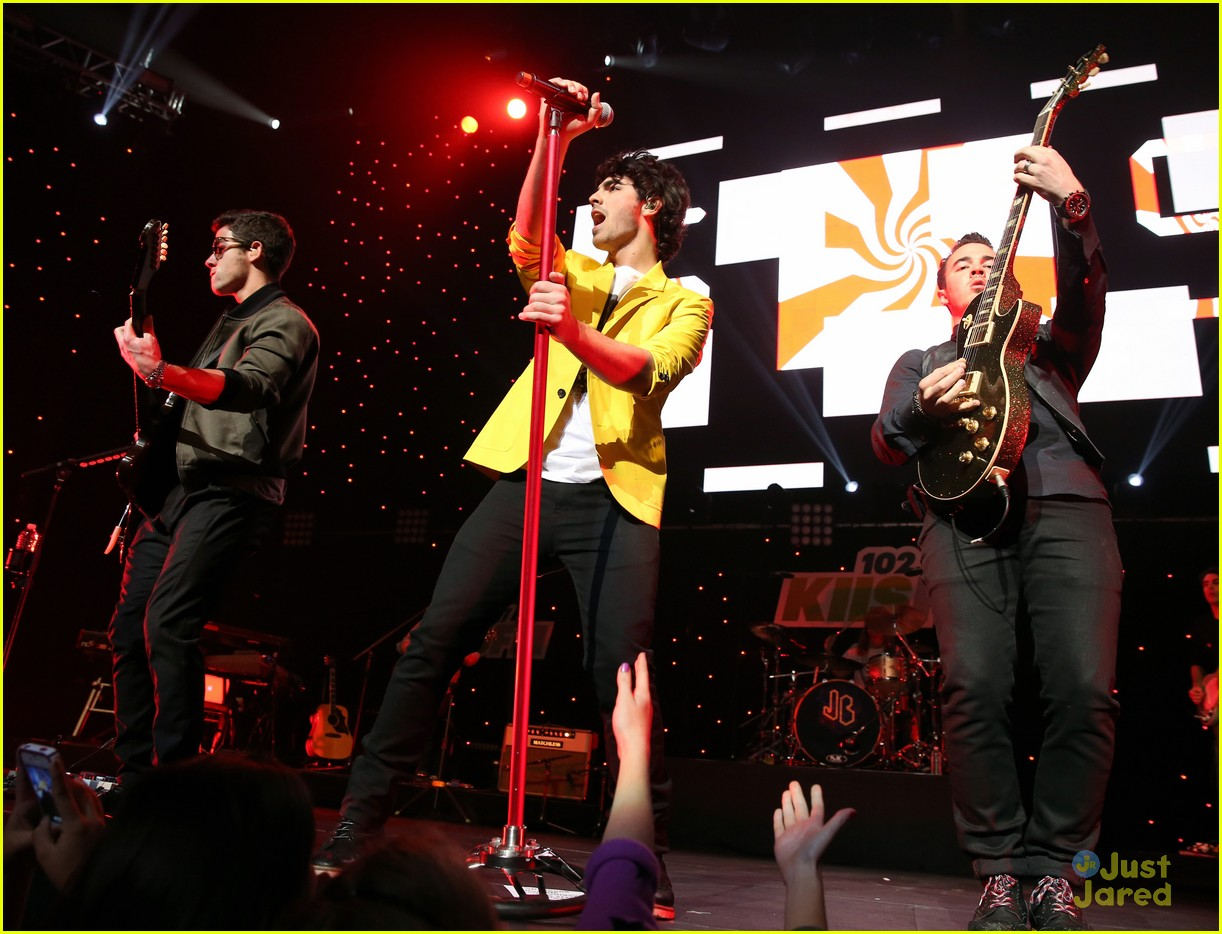 jonas brothers jingle ball 10